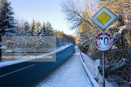 Country Road and Traffic Sign Stock Photo - Rights-Managed, Image code: 700-02637481