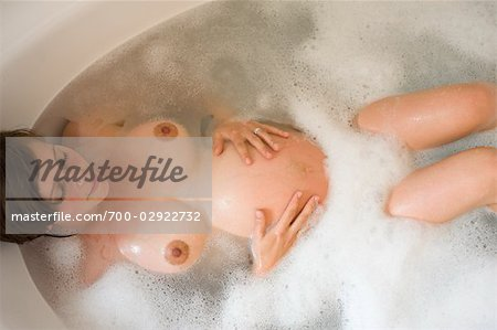 Pregnant Woman Relaxing in the Bathtub Stock Photo - Rights-Managed, Image code: 700-02922732