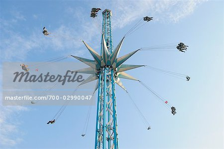 Looking Up at a Tall Chair-o-plane Ride at Prater, Vienna, Austria Stock Photo - Rights-Managed, Image code: 700-02990047
