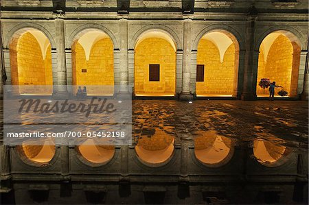 Templo de San Francisco y Casa Artesanias, Morelia, Michoacan, Mexico Stock Photo - Rights-Managed, Image code: 700-05452198