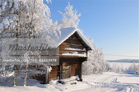 Log Cabin in Winter, Kuusamo, Northern Ostrobothnia, Finland Stock Photo - Rights-Managed, Image code: 700-05609978