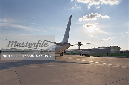 Plane on Tarmac, Toronto, Ontario, Canada Stock Photo - Rights-Managed, Image code: 700-05641917