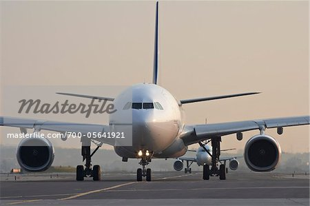 Plane on Tarmac, Toronto, Ontario, Canada Stock Photo - Rights-Managed, Image code: 700-05641921