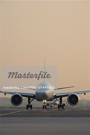 Plane on Tarmac, Toronto, Ontario, Canada Stock Photo - Rights-Managed, Image code: 700-05641922