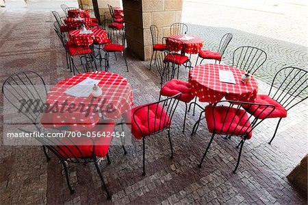 Restaurant Patio, Prague, Czech Republic Stock Photo - Rights-Managed, Image code: 700-05642454