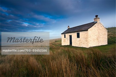 Cottage, Hartside Pass , North Pennines, Cumbria, England Stock Photo - Rights-Managed, Image code: 700-05653166