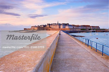 Saint-Malo, Ille-et-Vilaine, Bretagne, France Stock Photo - Rights-Managed, Image code: 700-05803739