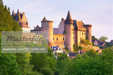 Chateau de Vitre, Vitre, Ille-et-Vilaine, Bretagne, France Stock Photo - Rights-Managed, Image code: 700-05803741