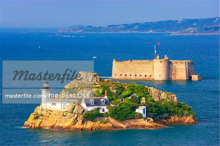 View of Louet Island and Chateau de Taureau, Bay of Morlaix, Finistere, Bretagne, France Stock Photo - Rights-Managed, Image code: 700-05803756