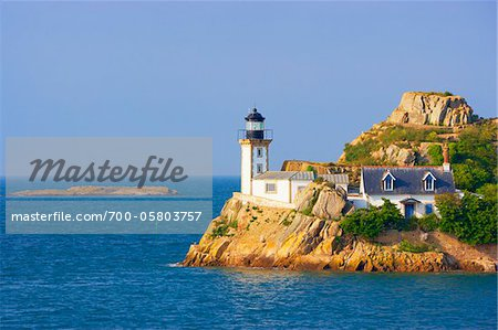 Lighthouse on Louet Island, Bay of Morlaix, Finistere, Bretagne, France Stock Photo - Rights-Managed, Image code: 700-05803757