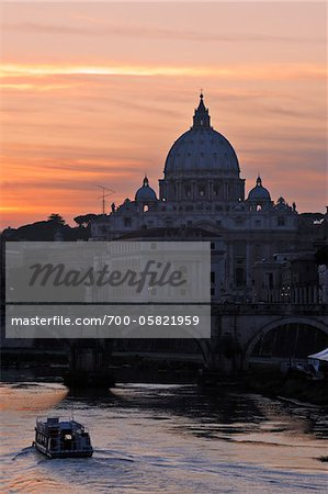 Saint Peter's Basilica at Sunset, Vatican, Rome, Lazio, Italy Stock Photo - Rights-Managed, Image code: 700-05821959