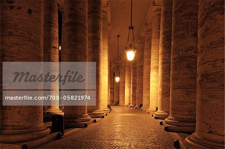 Saint Peter's Basilica Colonnade, Saint Peter's Square, Vatican City, Rome, Italy Stock Photo - Rights-Managed, Image code: 700-05821974