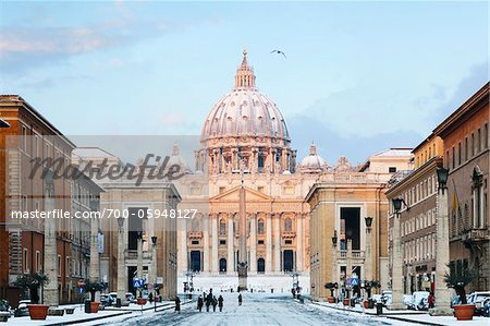 Via della Conciliazione and St Peter's Basilica in Winter, Rome, Lazio, Italy Stock Photo - Rights-Managed, Image code: 700-05948127