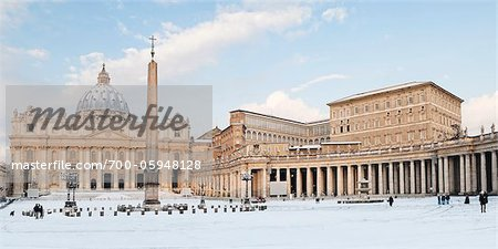 St Peter's Square and St Peter's Basilica in Winter, Vatican City, Rome, Lazio, Italy Stock Photo - Rights-Managed, Image code: 700-05948128