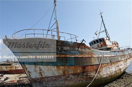 Old Boat on Shore, Camaret-sur-Mer, Bretagne, France Stock Photo - Rights-Managed, Image code: 700-06355102