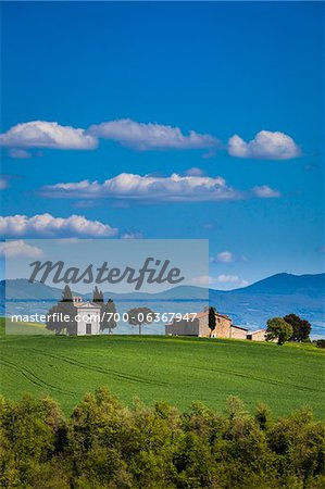 Church of Madonna di Vitaleta and Farmhouse, San Quirico d'Orcia, Province of Siena, Tuscany, Italy Stock Photo - Rights-Managed, Image code: 700-06367947