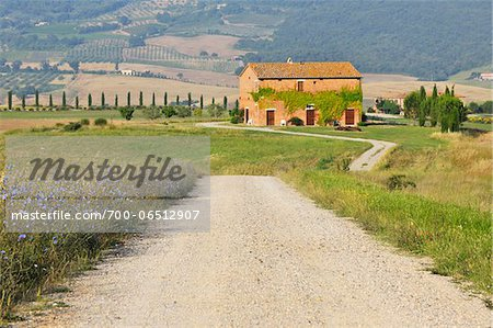 Dirt Road with Farmhouse in Summer, San Quirico d'Orcia, Province of Siena, Tuscany, Italy Stock Photo - Rights-Managed, Image code: 700-06512907