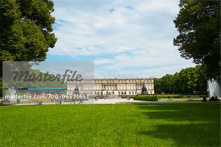 Horse-Drawn Carriage in Formal Garden in front of New Herrenworth Palace, Herrenchiemsee, Herreninsel, Chiemsee, Oberbayern, Bavaria, Germany Stock Photo - Rights-Managed, Image code: 700-06531651