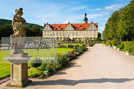 Statue and Formal Garden in front of Weikersheim Castle, Weikersheim, Baden-Wurttemberg, Germany Stock Photo - Rights-Managed, Image code: 700-06553369