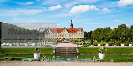 Panoramic View of Water Fountain and Weikersheim Castle, Weikersheim, Baden-Wurttemberg, Germany Stock Photo - Rights-Managed, Image code: 700-06553371