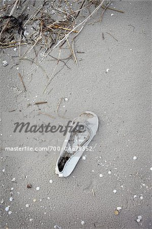 Single Lost Shoe on Beach Stock Photo - Rights-Managed, Image code: 700-06679352