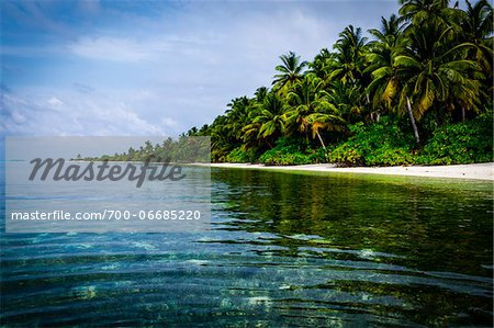 Tropical island and lagoon, Maldives, Indian Ocean Stock Photo - Rights-Managed, Image code: 700-06685220