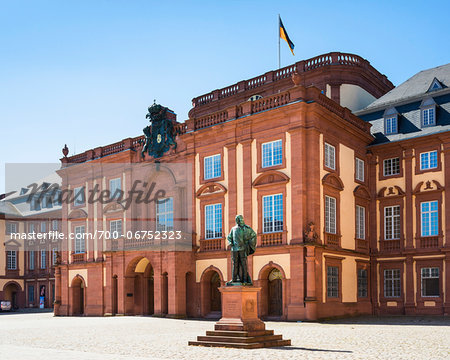Germany, Baden-Warttemberg, Mannheim Palace (Mannheimer Schloss), the city castle and main building of the University of Mannheim Stock Photo - Rights-Managed, Image code: 700-06752323