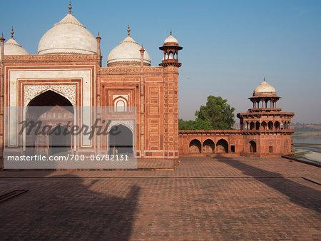 Mosque in enclosure complex of Taj Mahal, India
