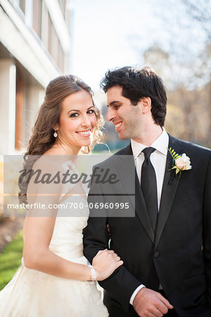 Close-up of Bride and Groom posing in City Park on Wedding Day, Toronto, Ontario, Canada Stock Photo - Rights-Managed, Image code: 700-06960995