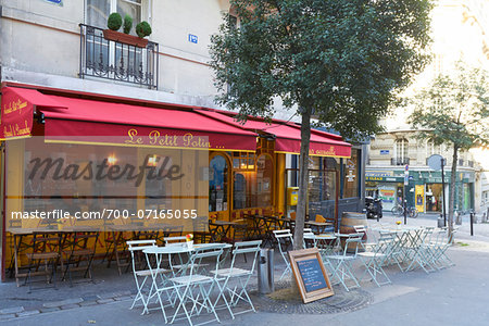 Outdoor Cafe and street scene, Montmartre, Paris, France Stock Photo - Rights-Managed, Image code: 700-07165055