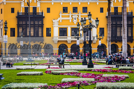 People in public garden at Plaza de Armas, Lima, Peru Stock Photo - Rights-Managed, Image code: 700-07279057