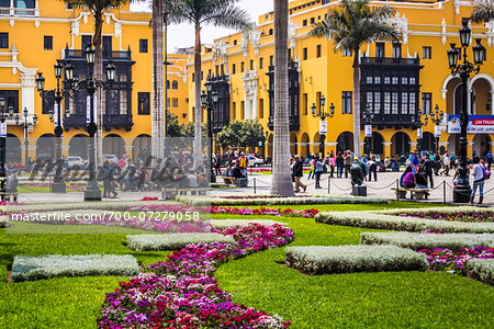 People in public garden at Plaza de Armas, Lima, Peru Stock Photo - Rights-Managed, Image code: 700-07279058