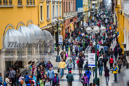 Shoppers along Union Street near Plaza Mayor (Plaza de Armas), Lima, Peru Stock Photo - Rights-Managed, Image code: 700-07279059