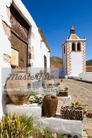 Alley by the church of Santa Maria de Betancuria, Betancuria, Fuerteventura, Las Palmas, Canary Islands Stock Photo - Rights-Managed, Image code: 700-07945291