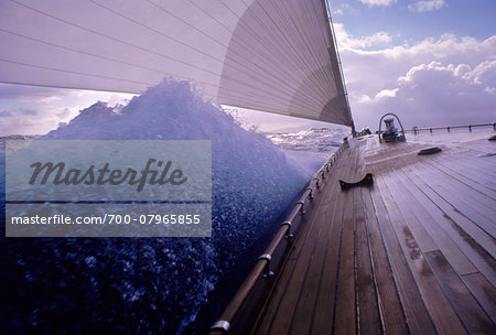 Endeavour's Bow and Wave during Caribbean Sail towards Island of Nevis Stock Photo - Rights-Managed, Image code: 700-07965855