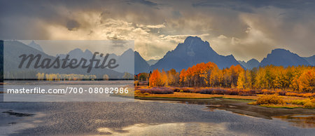 Oxbow Bend of Snake River with Mt Moran in Autumn, Jackson, Grand Teton National Park, Wyoming, USA Stock Photo - Rights-Managed, Image code: 700-08082986