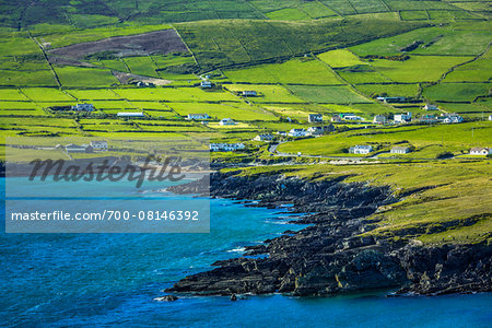 Scenic, coastal view of St Finian's Bay, along the Skellig Coast on the Ring of Kerry, County Kerry, Ireland Stock Photo - Rights-Managed, Image code: 700-08146392