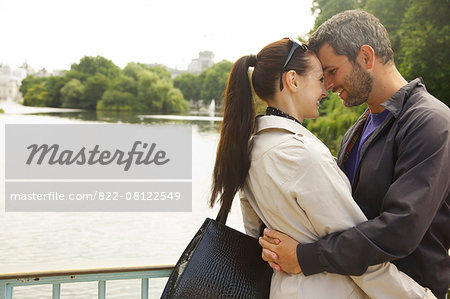 Couple Embracing, St. James's Park Lake, London, England Stock Photo - Rights-Managed, Image code: 822-08122549