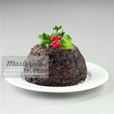 Christmas pudding - cut out Stock Photo - Rights-Managed, Image code: 824-03744571
