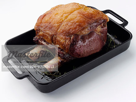 Rib of beef in a roasting tin Stock Photo - Rights-Managed, Image code: 824-07193613