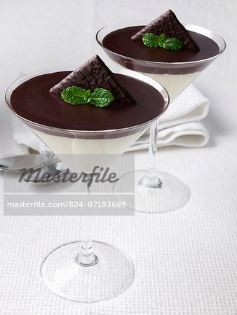 Two glasses of chocolate mint mousse dessert Stock Photo - Rights-Managed, Image code: 824-07193689