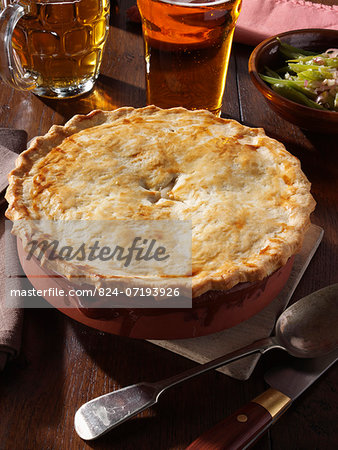 Whole chicken pie Stock Photo - Rights-Managed, Image code: 824-07193926