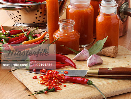 Making chilli sauce Stock Photo - Rights-Managed, Image code: 824-07194258