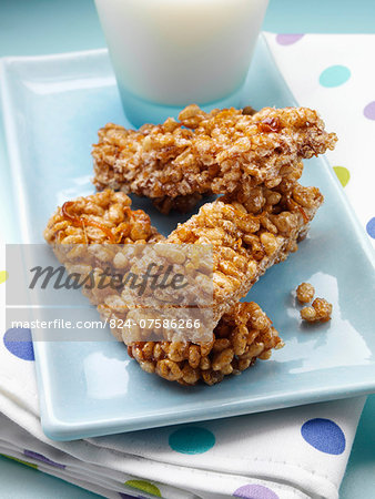 Orange rice crispies Stock Photo - Rights-Managed, Image code: 824-07586266