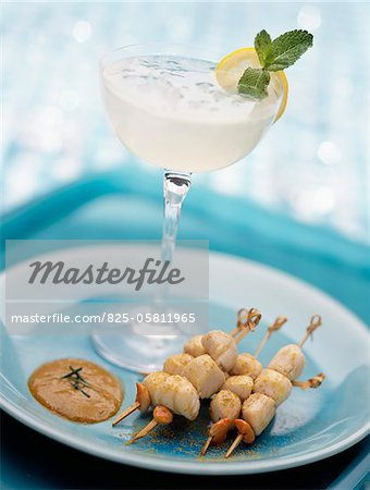 Margarita cocktail with small scallop brochettes Stock Photo - Rights-Managed, Image code: 825-05811965