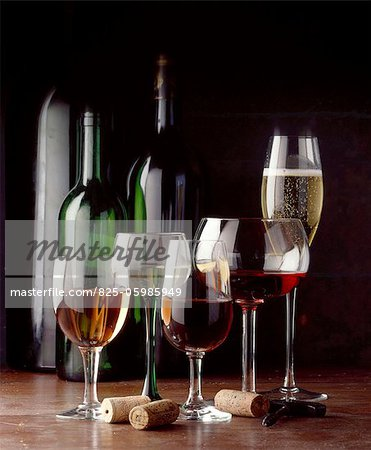 glasses and bottles of wine Stock Photo - Rights-Managed, Image code: 825-05985949