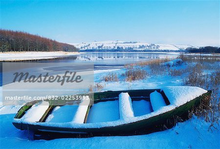 Irish snowscenes, Blessington Lake, Co Wicklow Stock Photo - Rights-Managed, Image code: 832-02253993