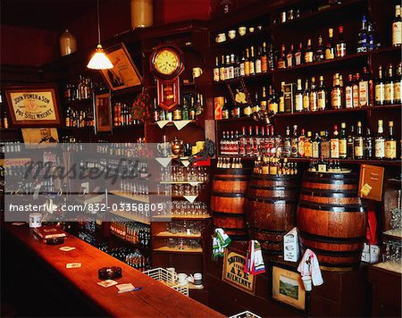 Morrissey's, Abbeyleix, Co Laois, Ireland;  Interior of an Irish pub Stock Photo - Rights-Managed, Image code: 832-03358809