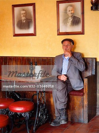 Ireland, Older Man Drinking In A Pub Stock Photo - Rights-Managed, Image code: 832-03640218