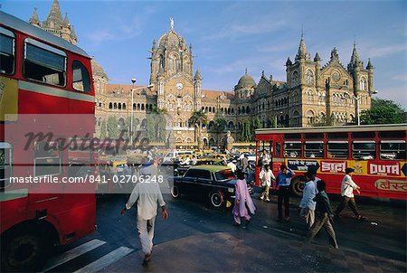 Traffic in front of the station, Victoria Railway Terminus, Mumbai (Bombay), Maharashtra State, India Stock Photo - Rights-Managed, Image code: 841-02706248